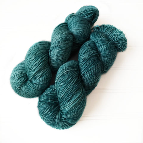 Single Ply Sock/Fingering Weight - Med Spruce Green
