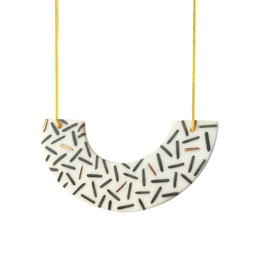 Fleck Necklace - Arc - Dash