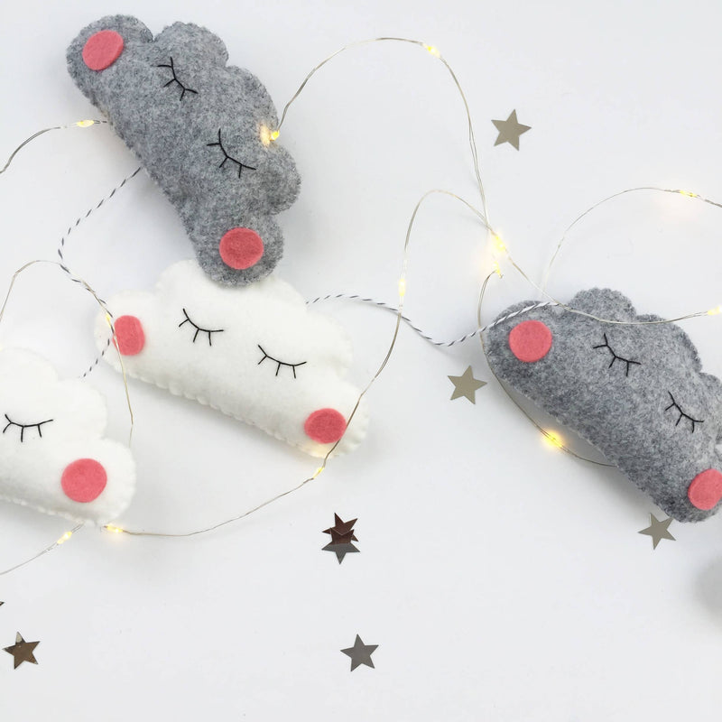 Sleepy Cloud Garland