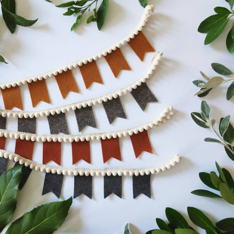 Mini Felt Garland – choice of colours