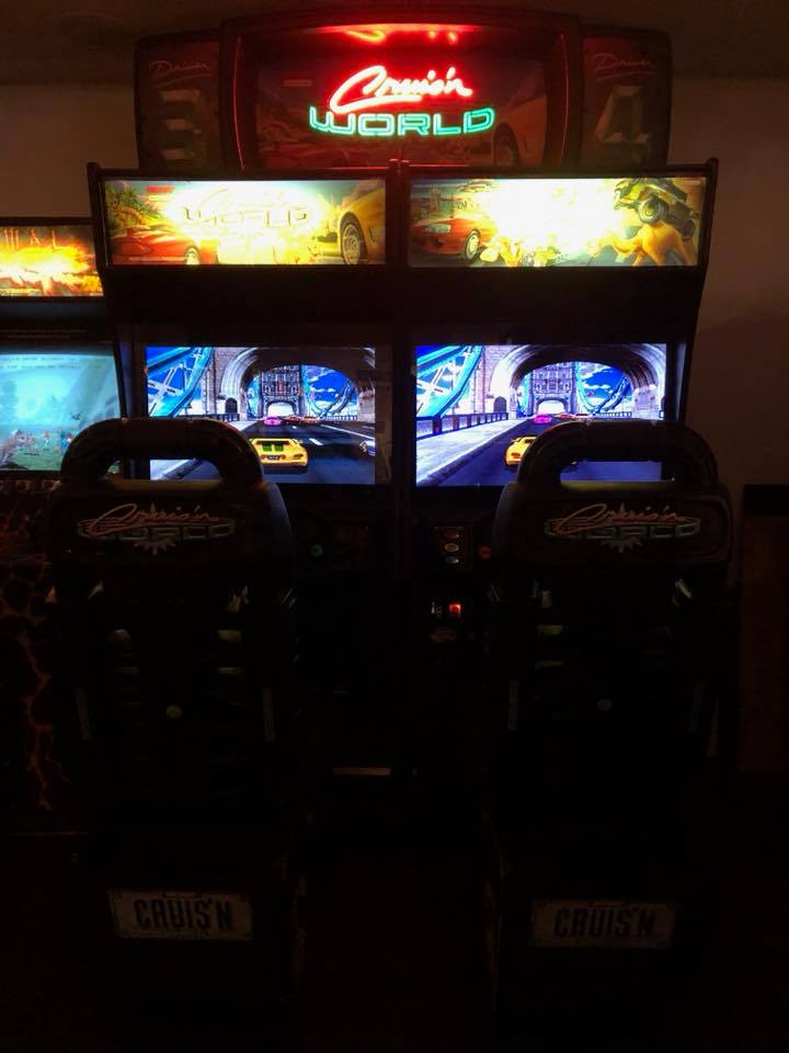 Cruis N World Arcade Machine 2 Cle Social