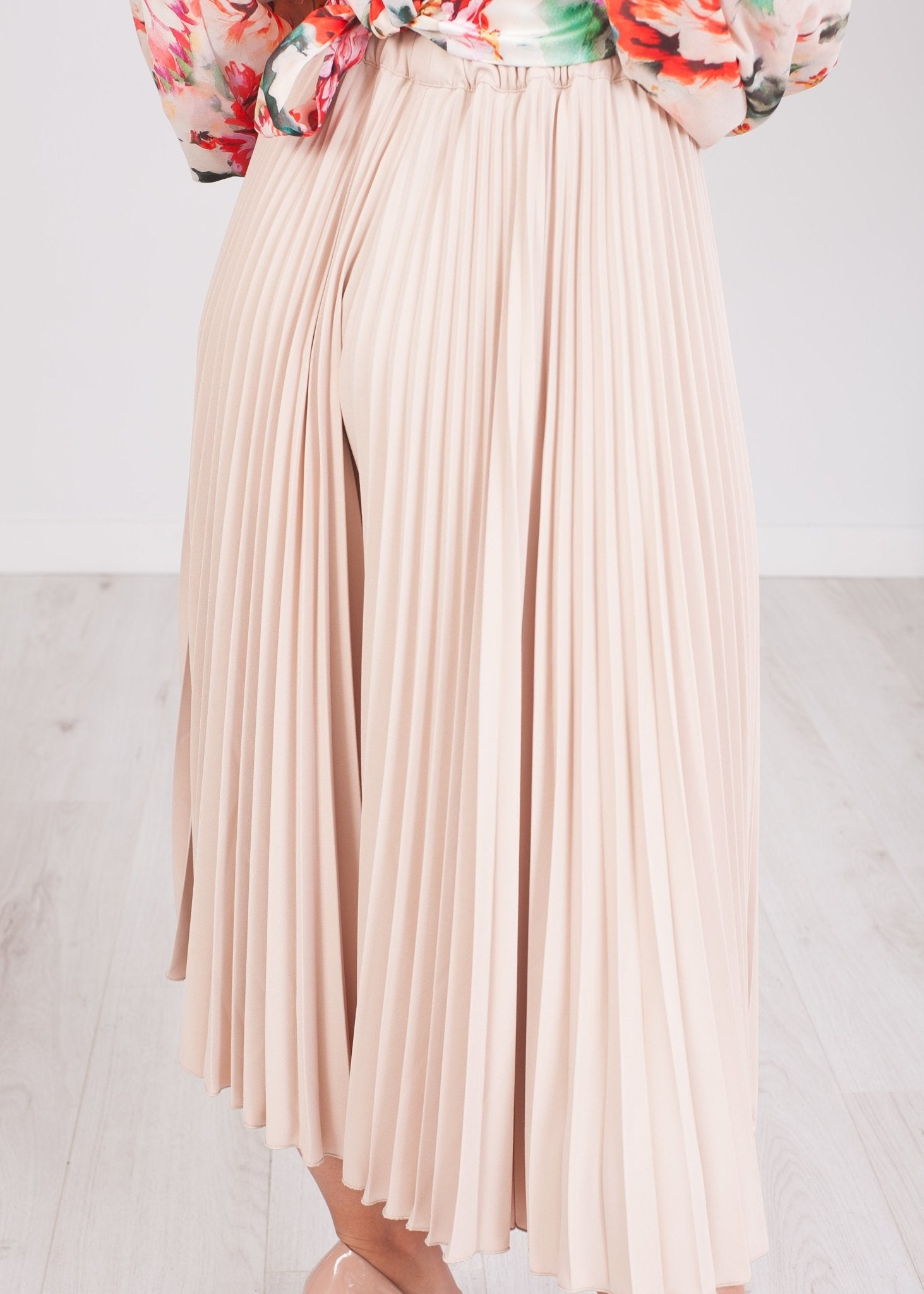 Alana Champagne Pleated Culottes - The Walk in Wardrobe