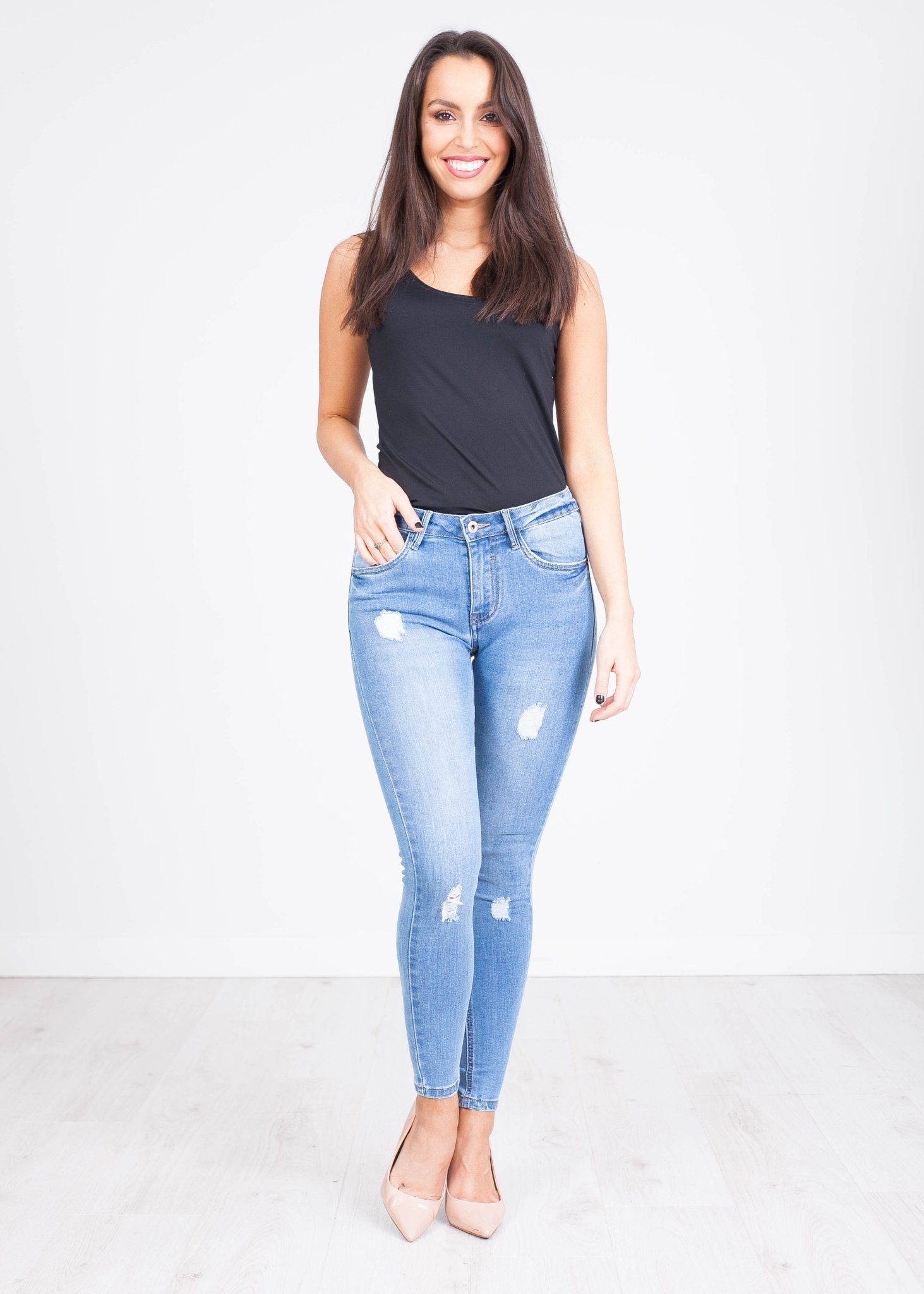 'Annie' Light Wash Skinny Jeans - The Walk in Wardrobe