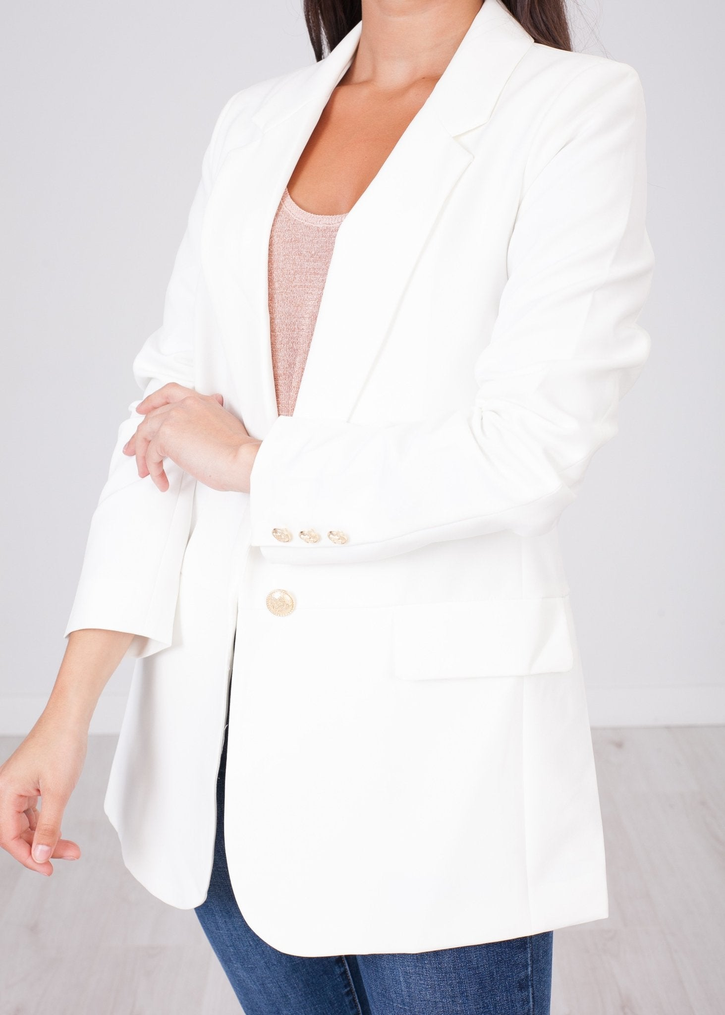 Arabella White Boyfriend Blazer - The Walk in Wardrobe