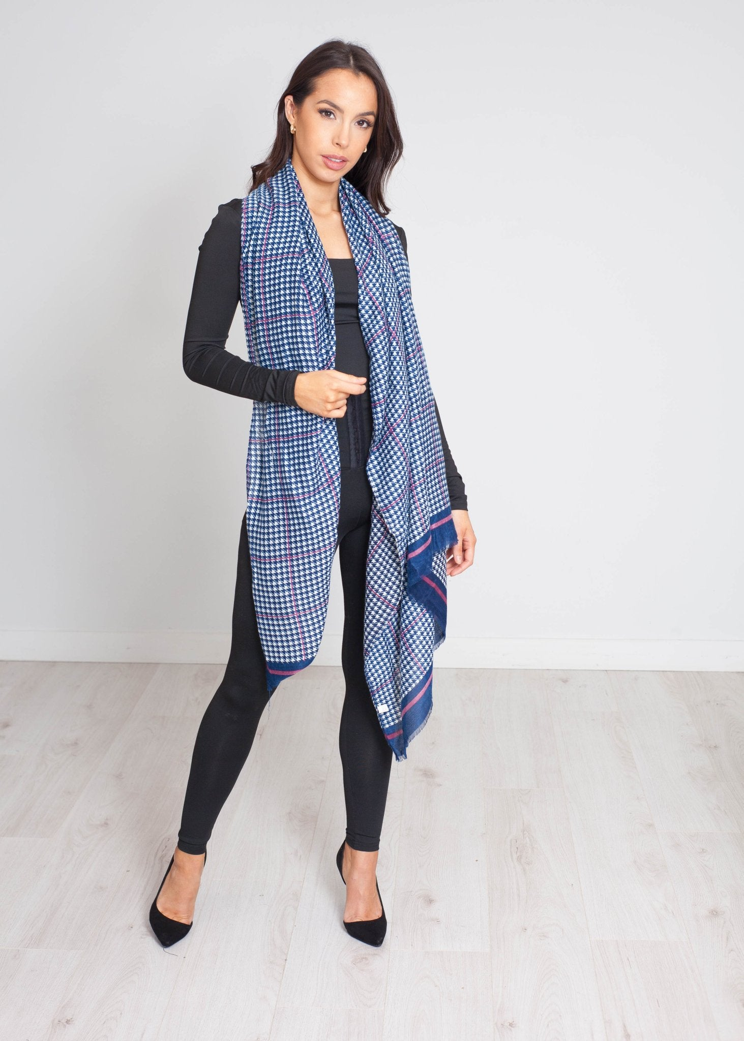 Blair Houndstooth Print Scarf In Navy - The Walk in Wardrobe