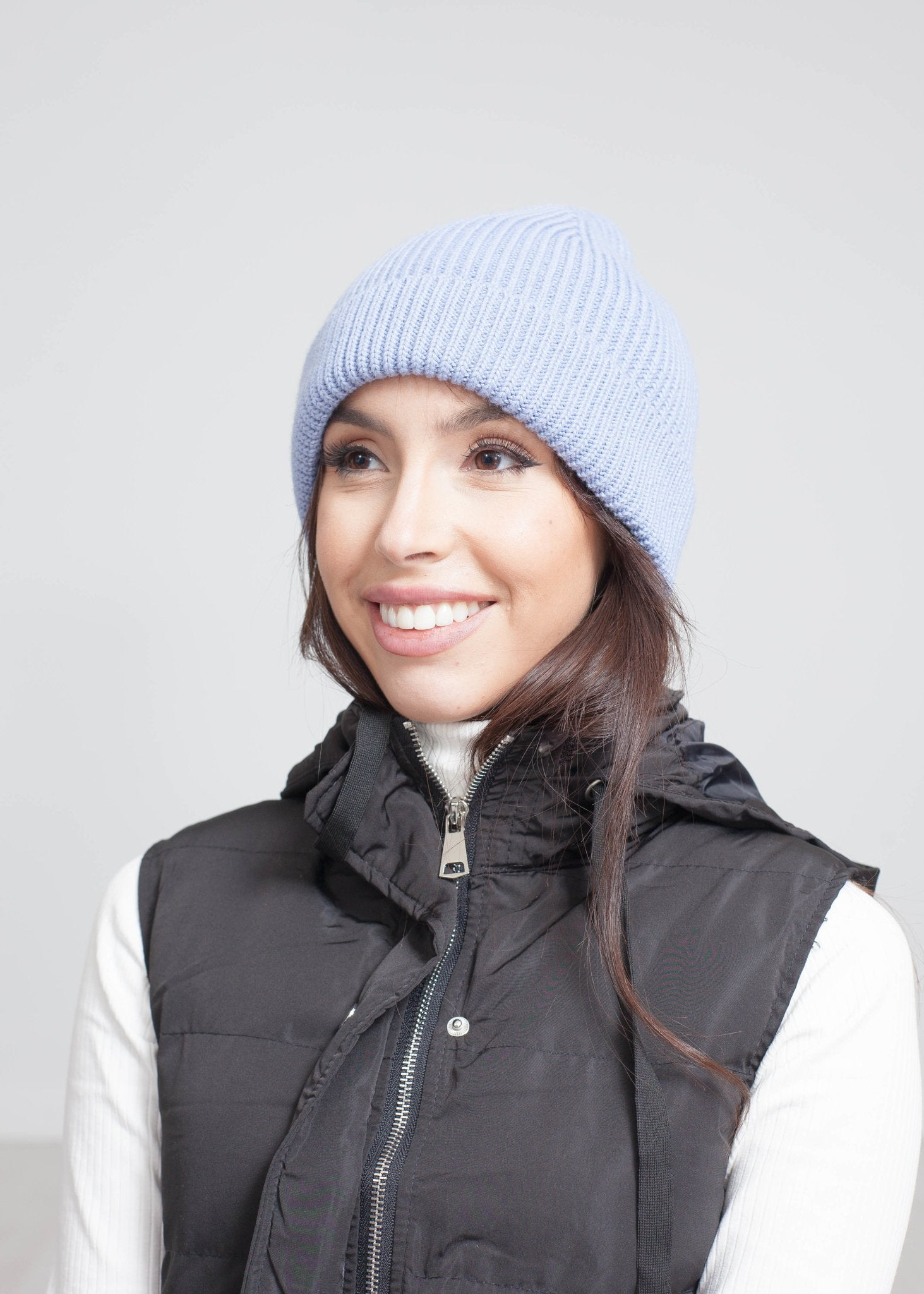Carly Knit Hat In Blue - The Walk in Wardrobe