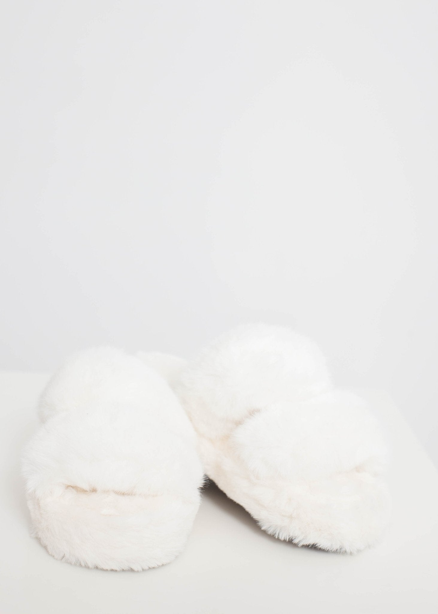 Cathy Fluffy Slippers In Cream - The Walk in Wardrobe