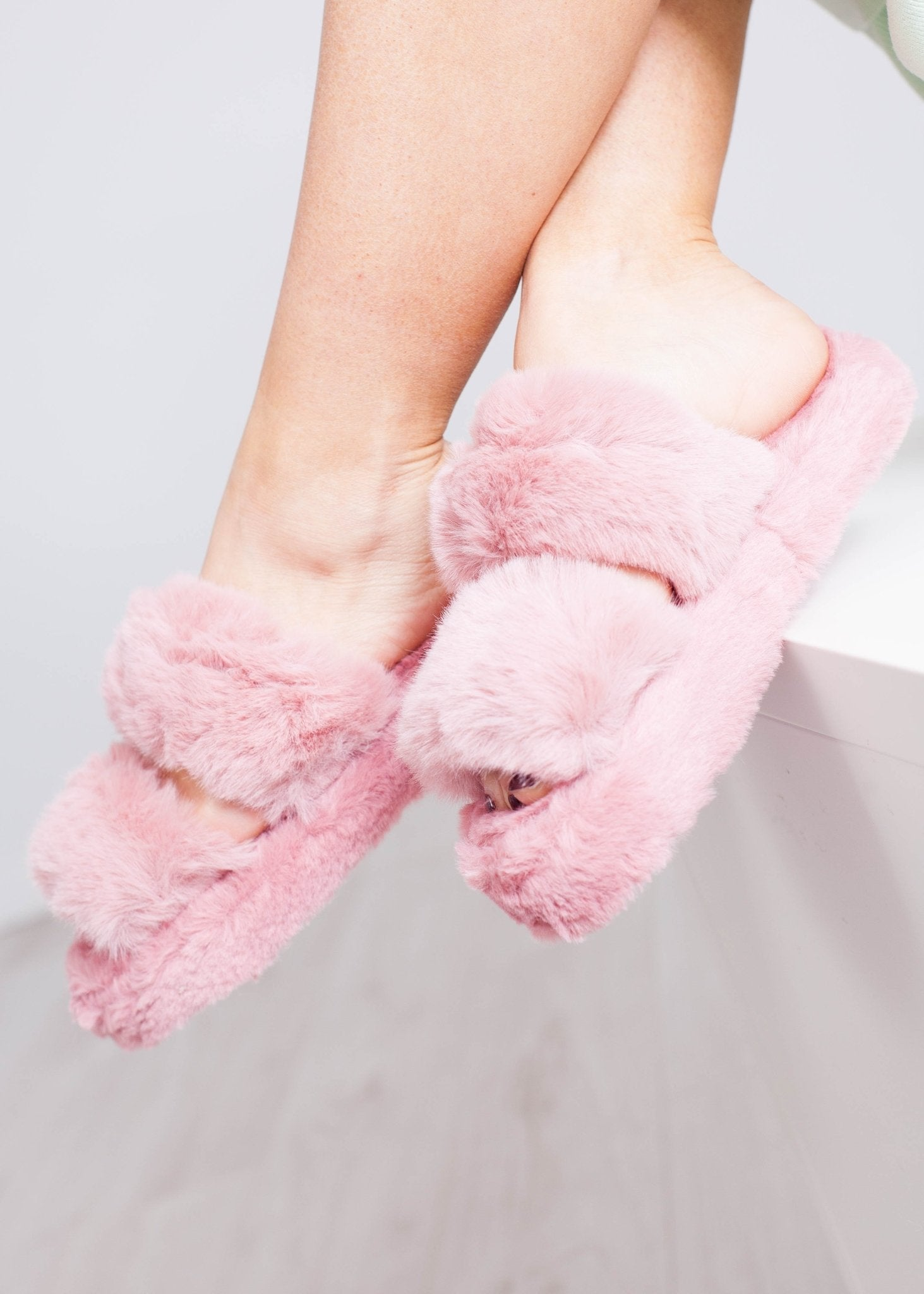 Cathy Fluffy Slippers In Pink - The Walk in Wardrobe