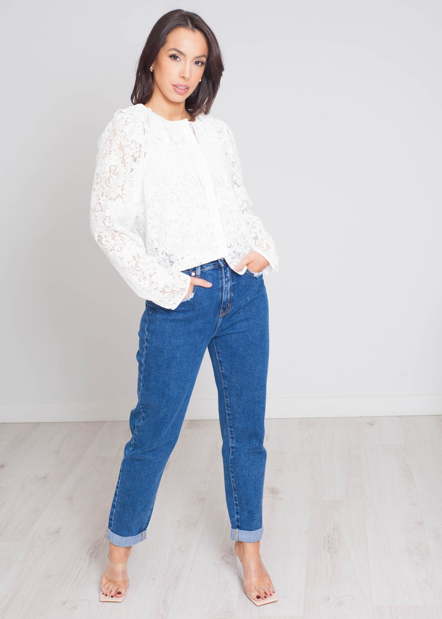 Daisy Lace Blouse In White - The Walk in Wardrobe