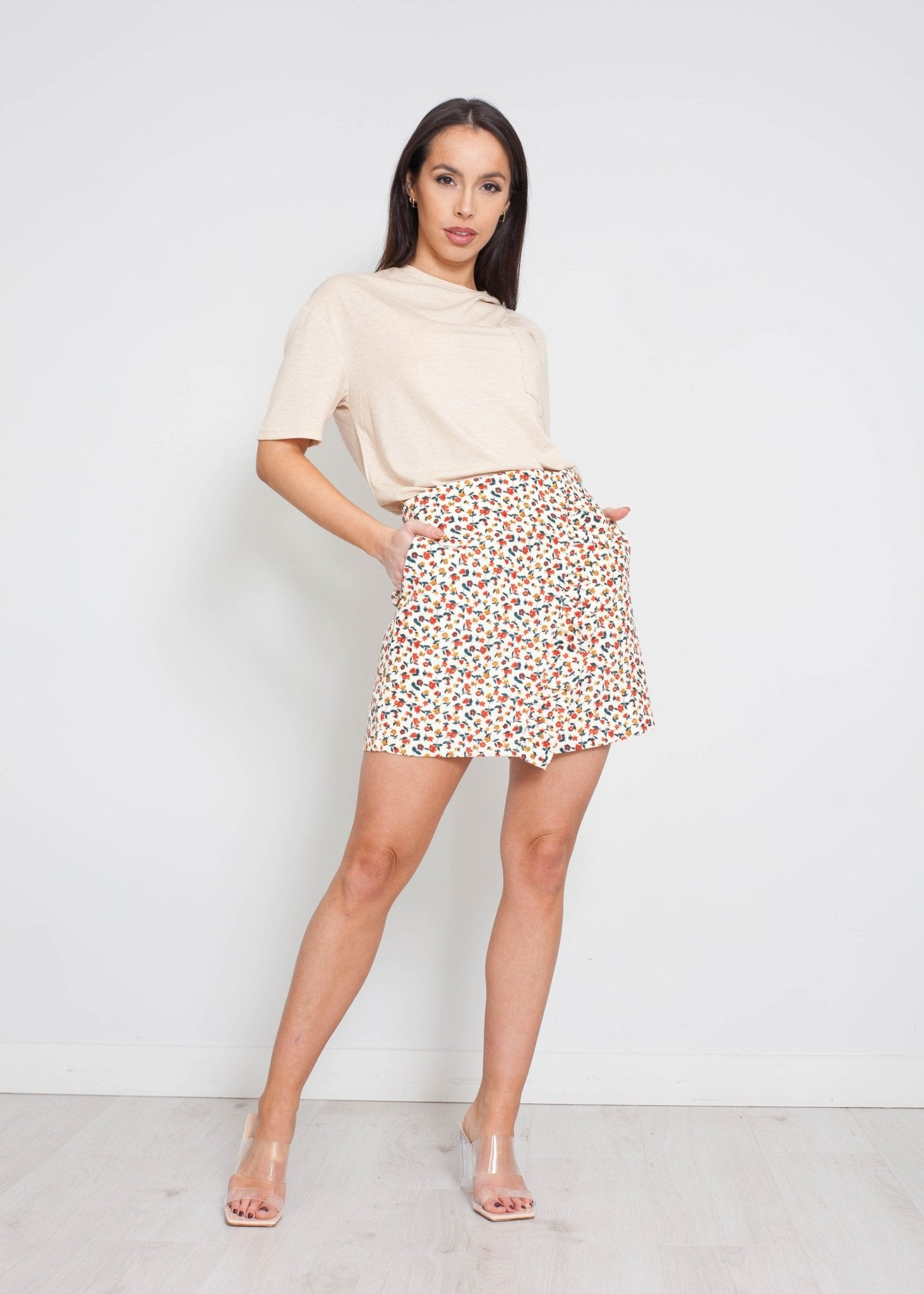 Daisy T-Shirt With Pocket In Beige - The Walk in Wardrobe