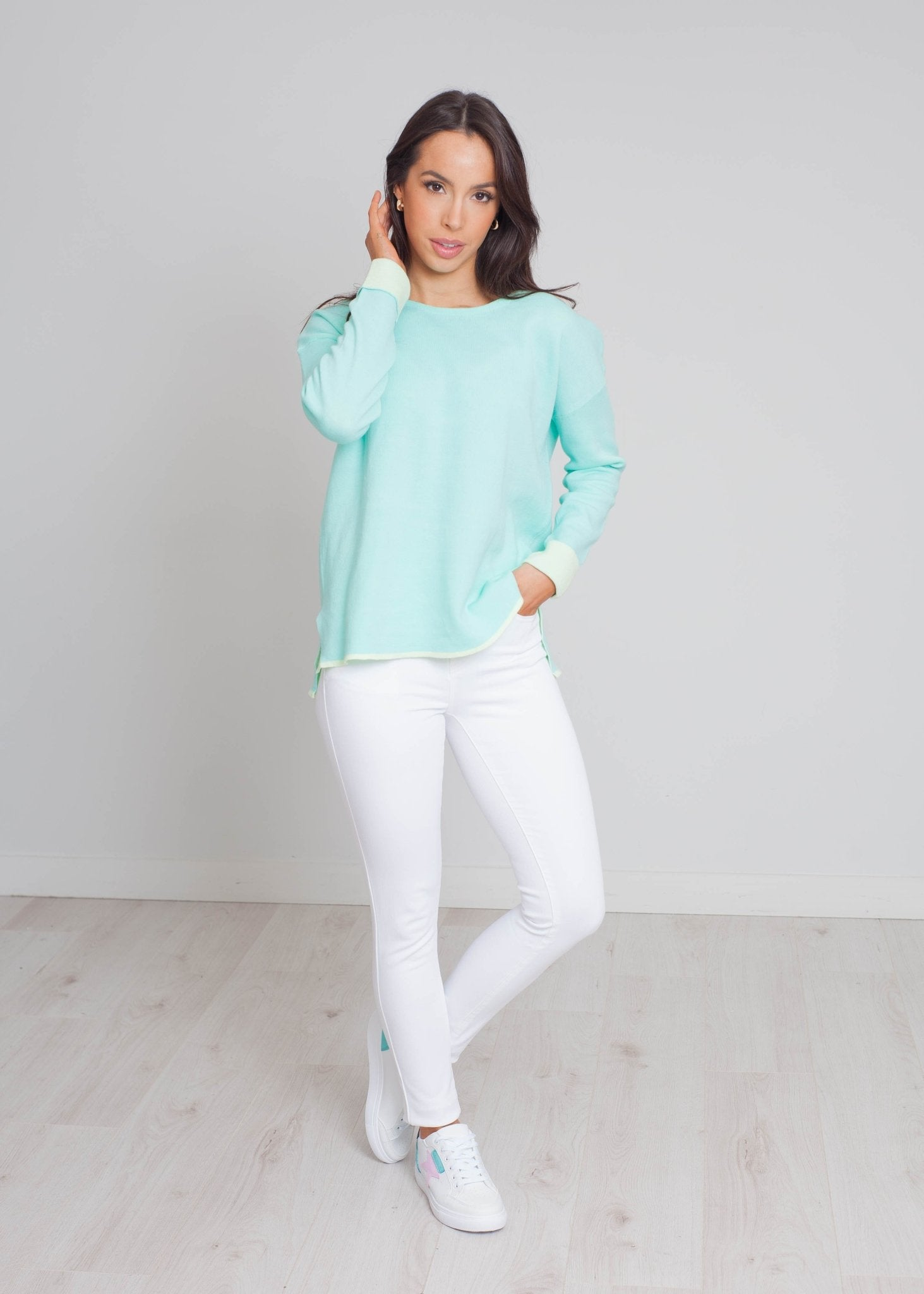 Darcey Round Neck Jumper In Turquoise - The Walk in Wardrobe