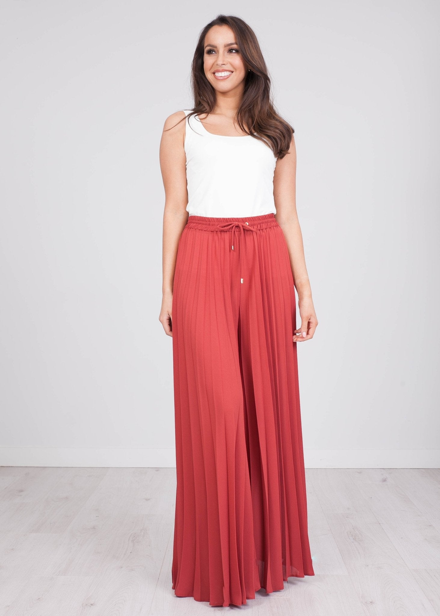 Eva Rust Pleated Trousers - The Walk in Wardrobe