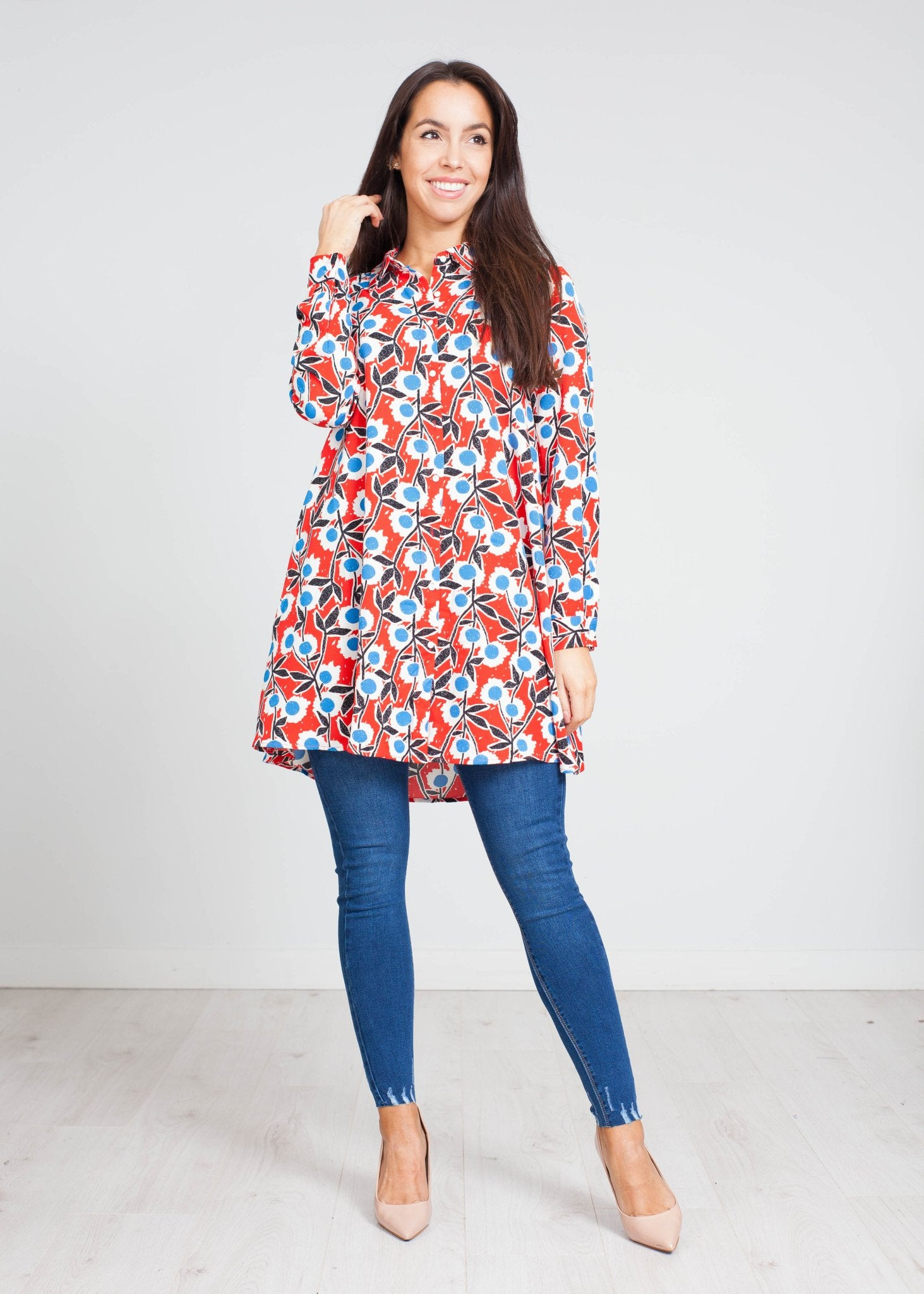 Frankie Longline Shirt In Red Print - The Walk in Wardrobe