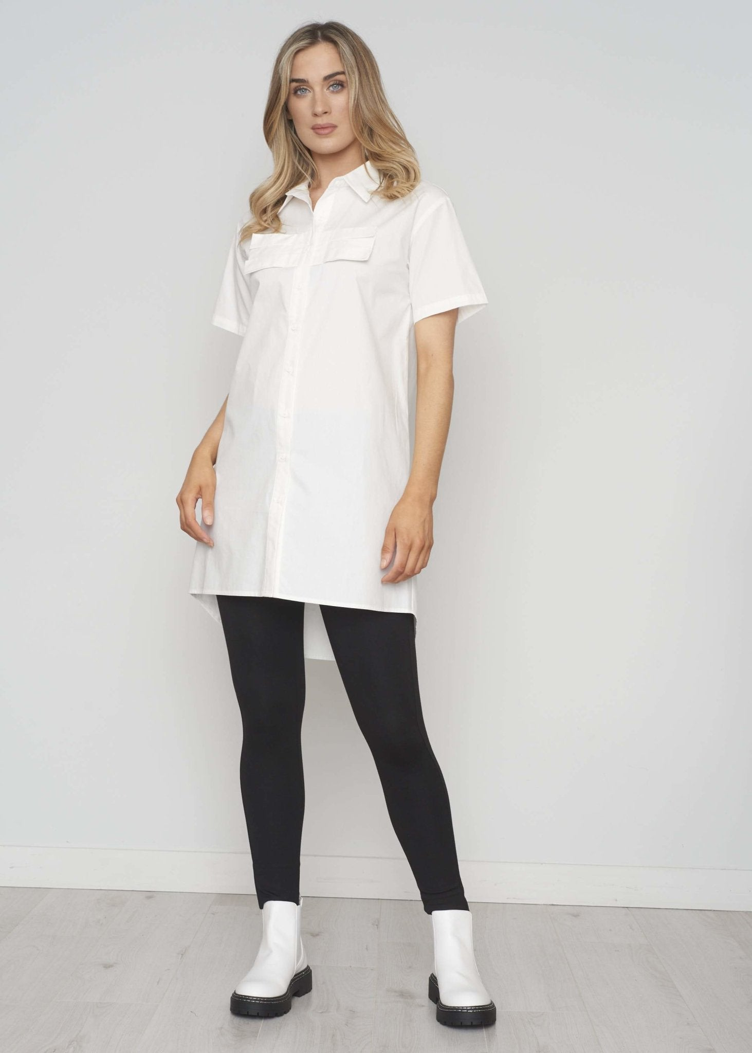 Frankie Longline Shirt In White - The Walk in Wardrobe