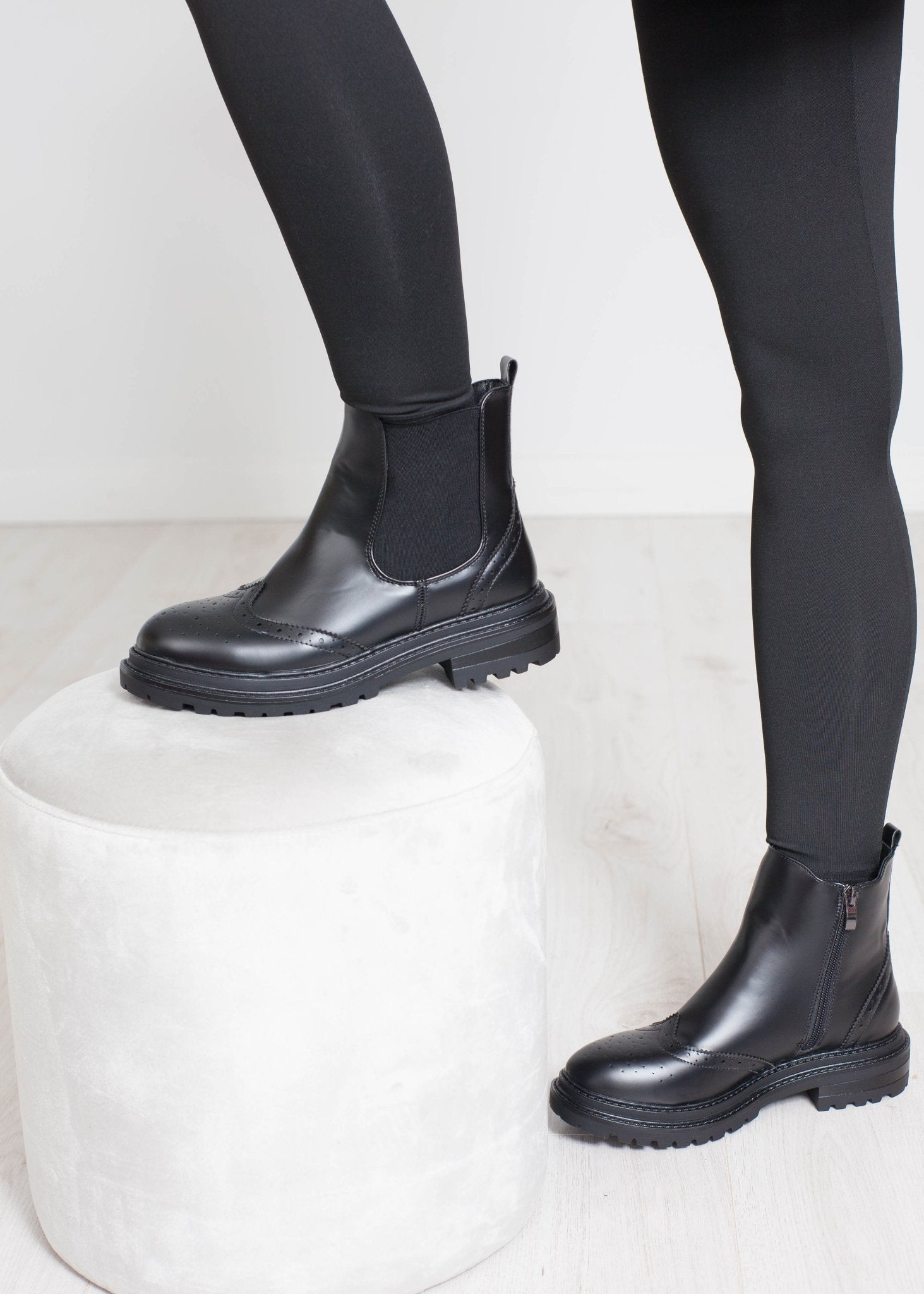 Gabby Chelsea Boot In Black - The Walk in Wardrobe