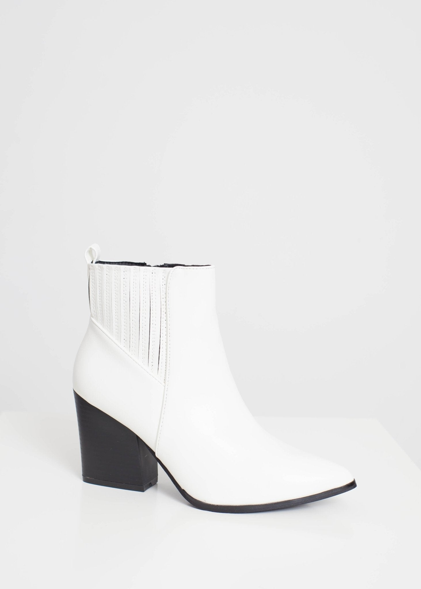 Gabby Pointed Toe Boot In White - The Walk in Wardrobe