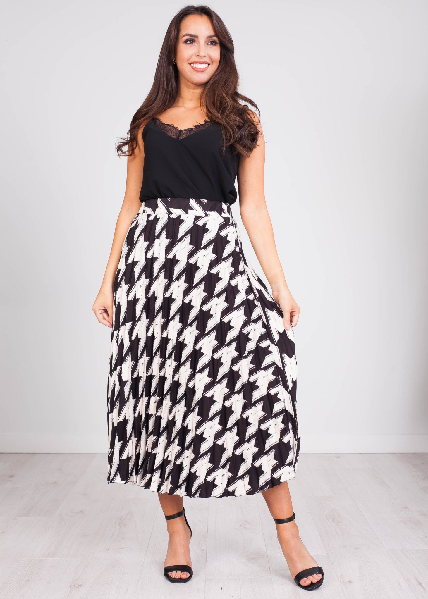 Gia Houndstooth Midi Skirt - The Walk in Wardrobe