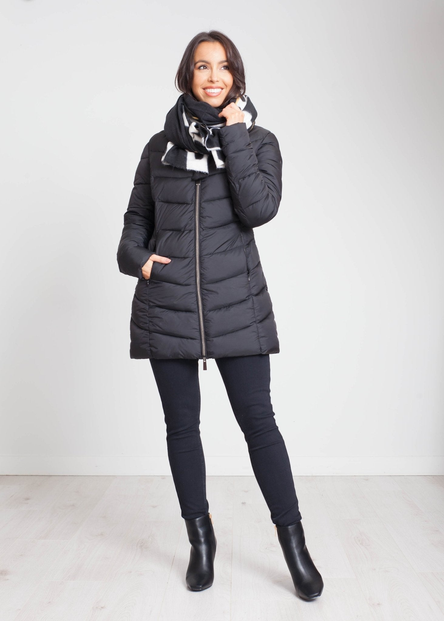 Heidi Hooded Puffa Coat In Black - The Walk in Wardrobe