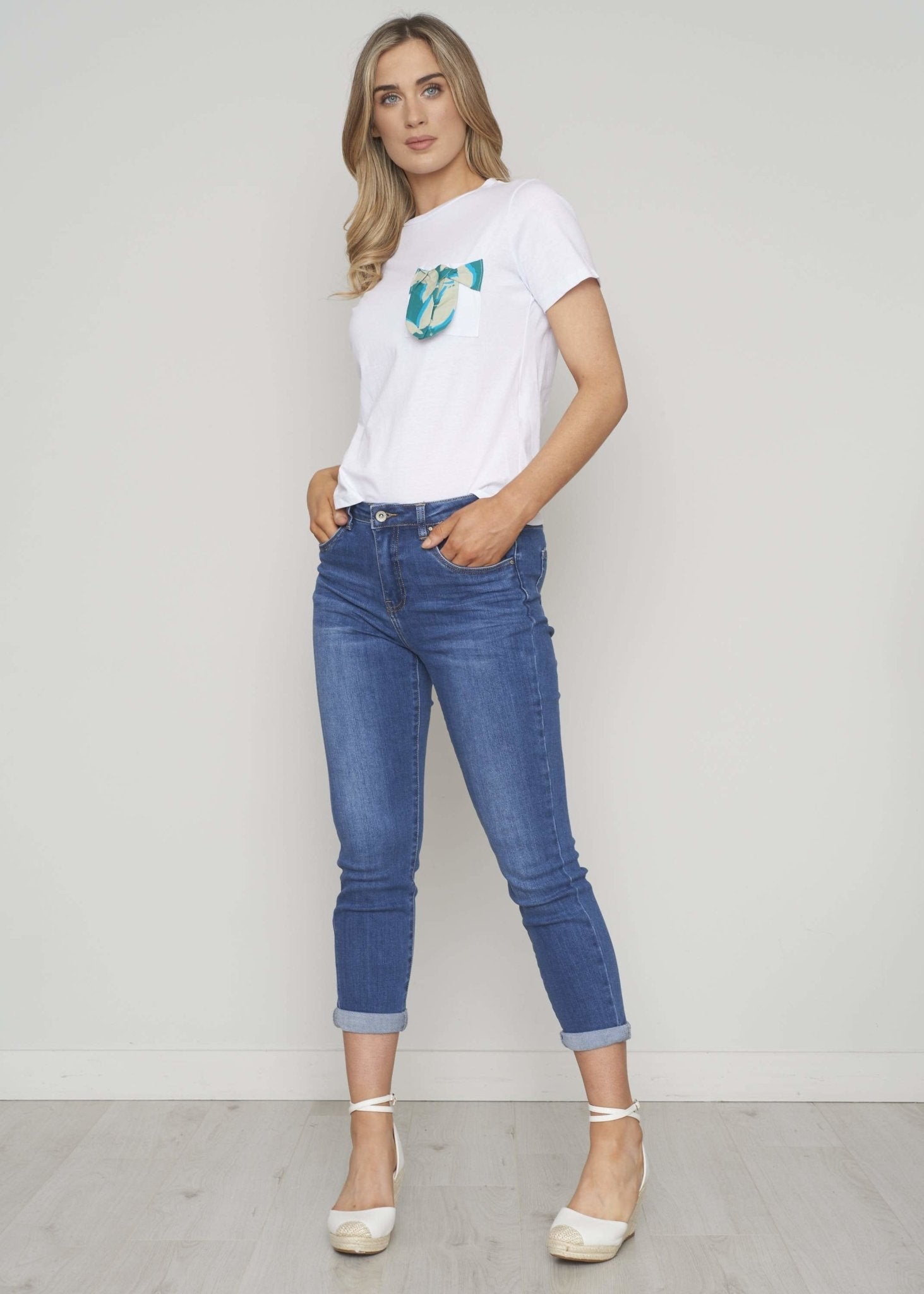 Heidi Pocket Detail T-Shirt In White - The Walk in Wardrobe