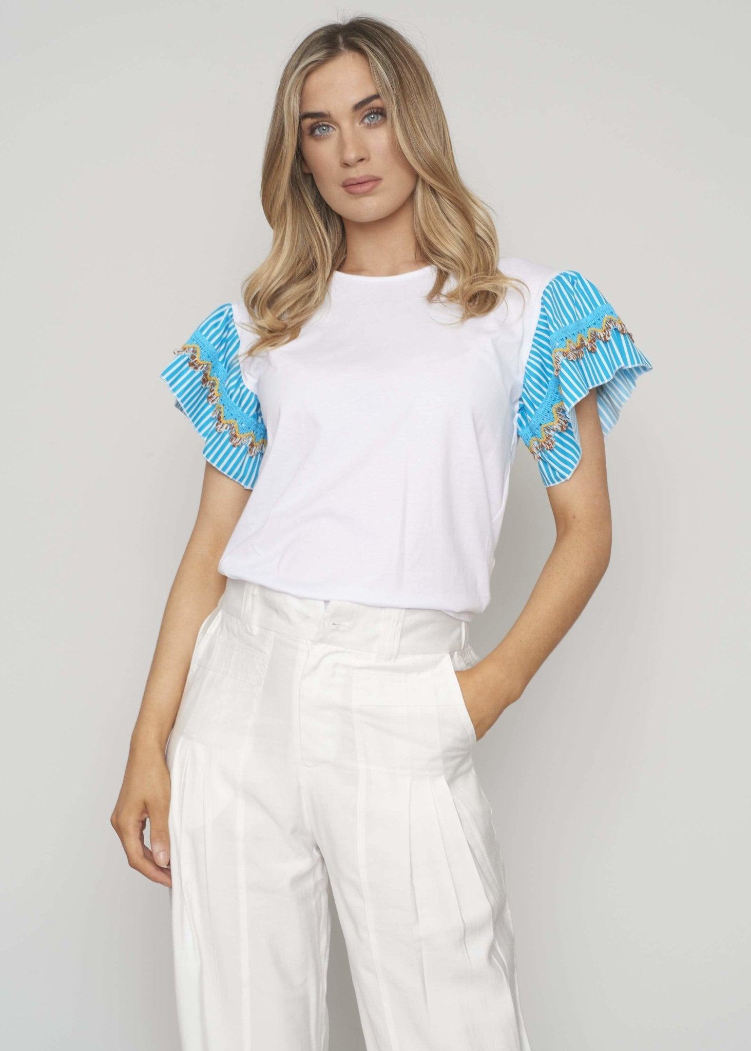 Heidi Printed Sleeve T-Shirt In White - The Walk in Wardrobe