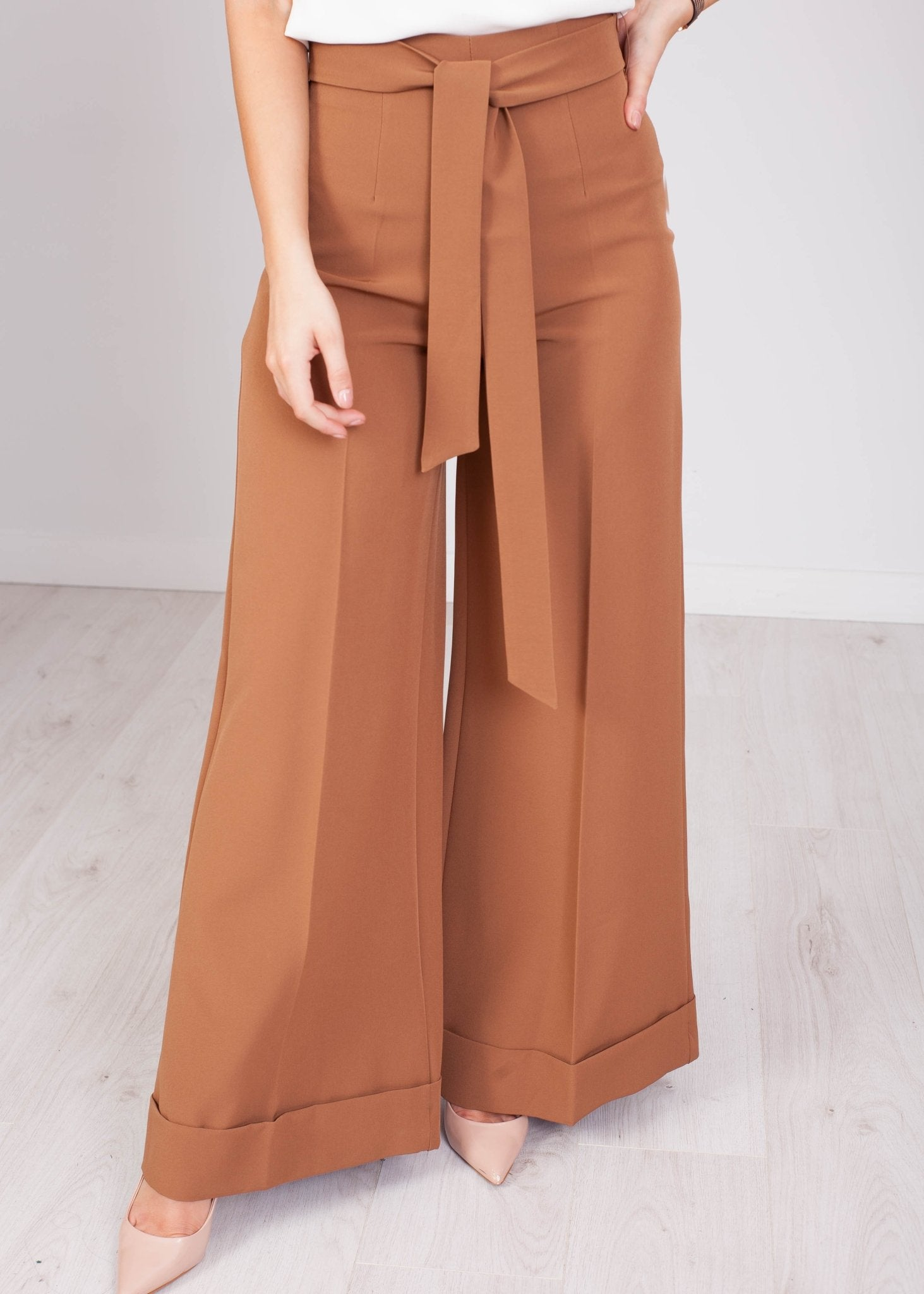 Heidi Wide Leg Trousers in Brown - The Walk in Wardrobe