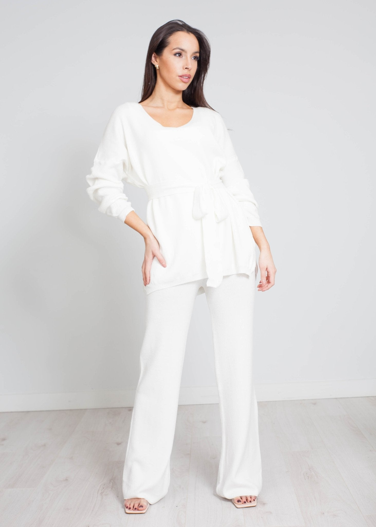 Indie V-Neck Knit Lounge Set In White - The Walk in Wardrobe