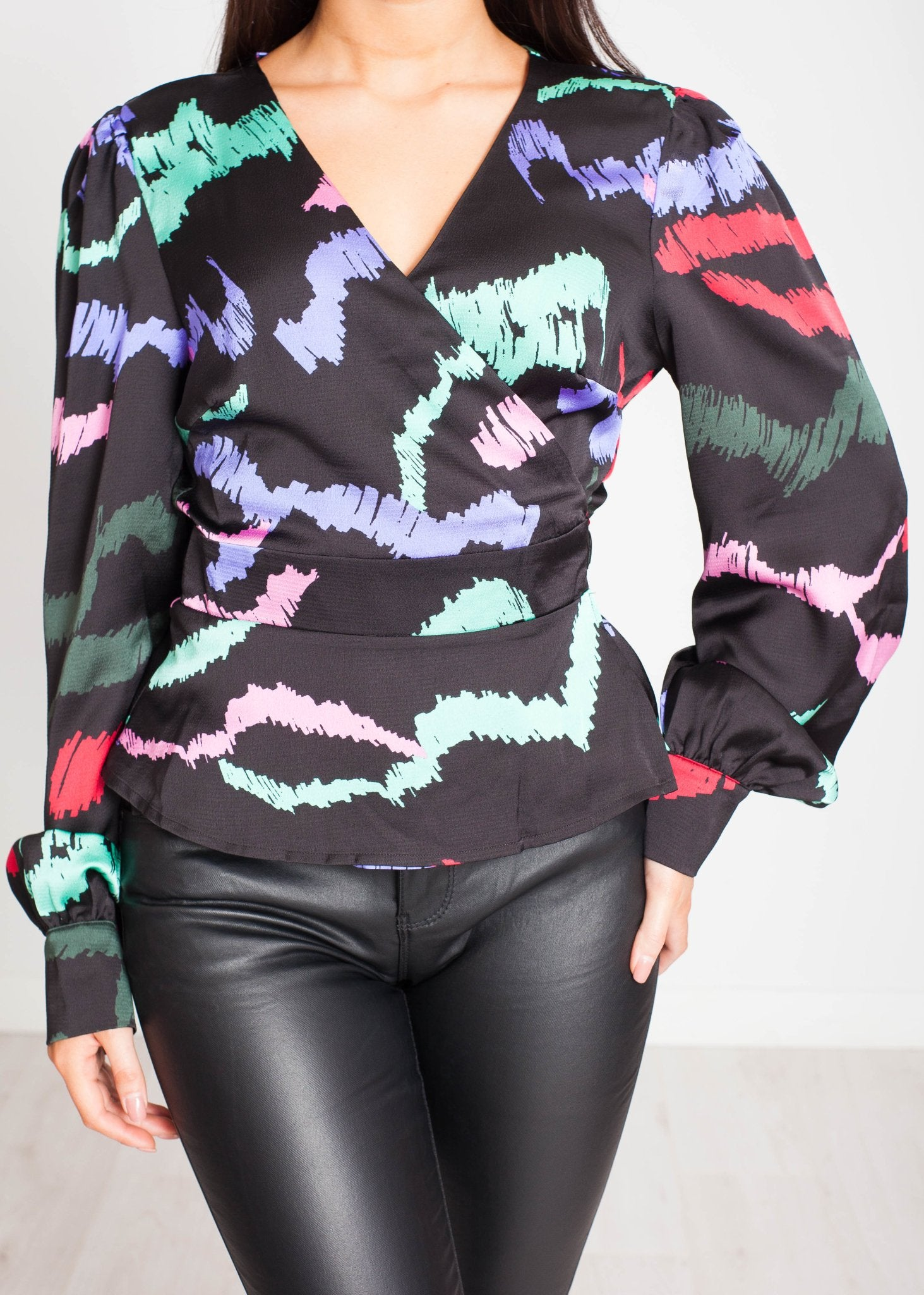 Lilly Wrap Blouse In Black Multi - The Walk in Wardrobe