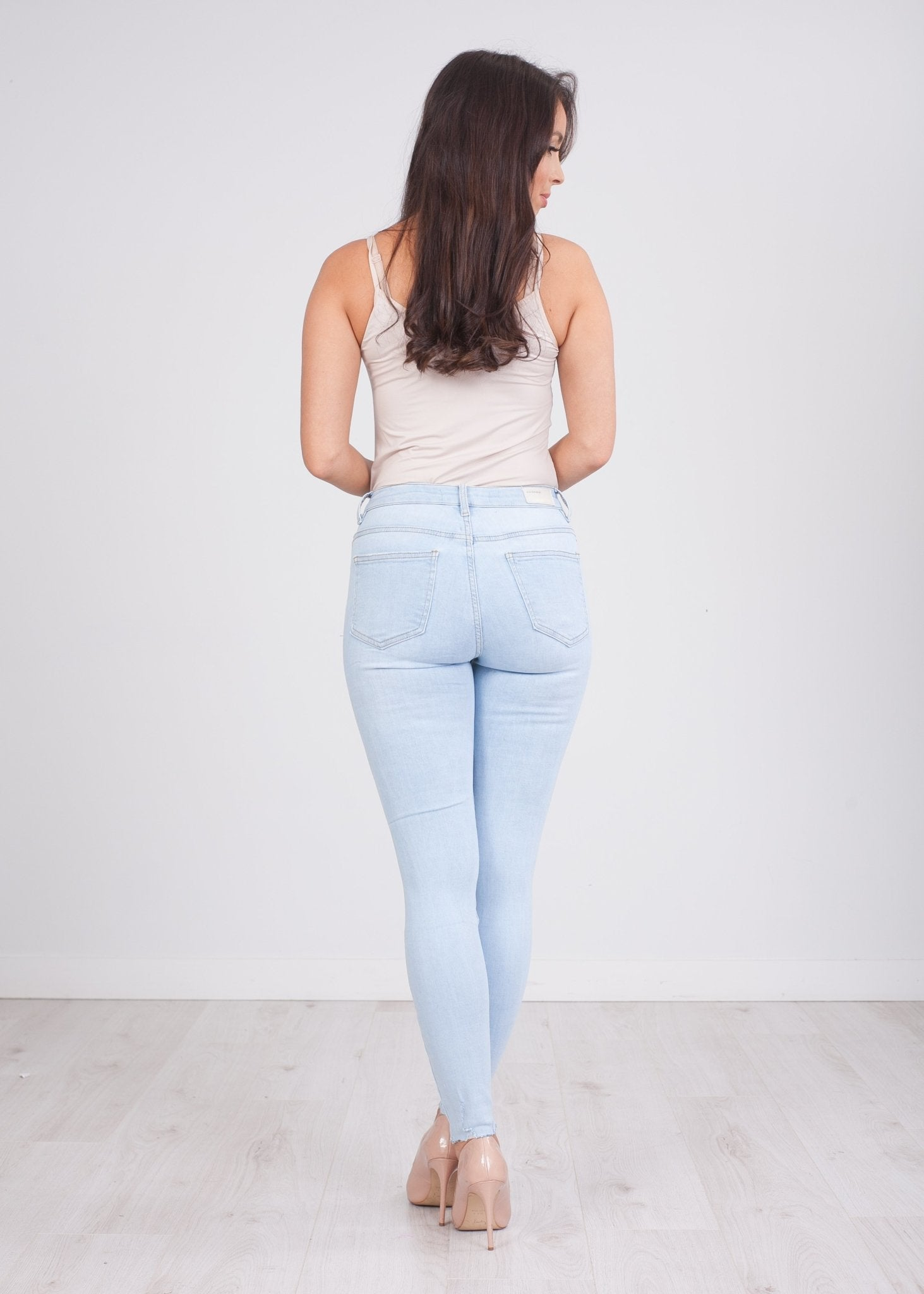 'Maisie' Light Wash Distressed Jeans - The Walk in Wardrobe