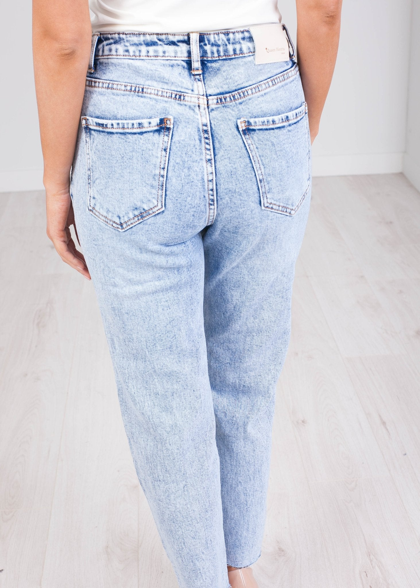 'Melissa' Straight Leg Jean - The Walk in Wardrobe