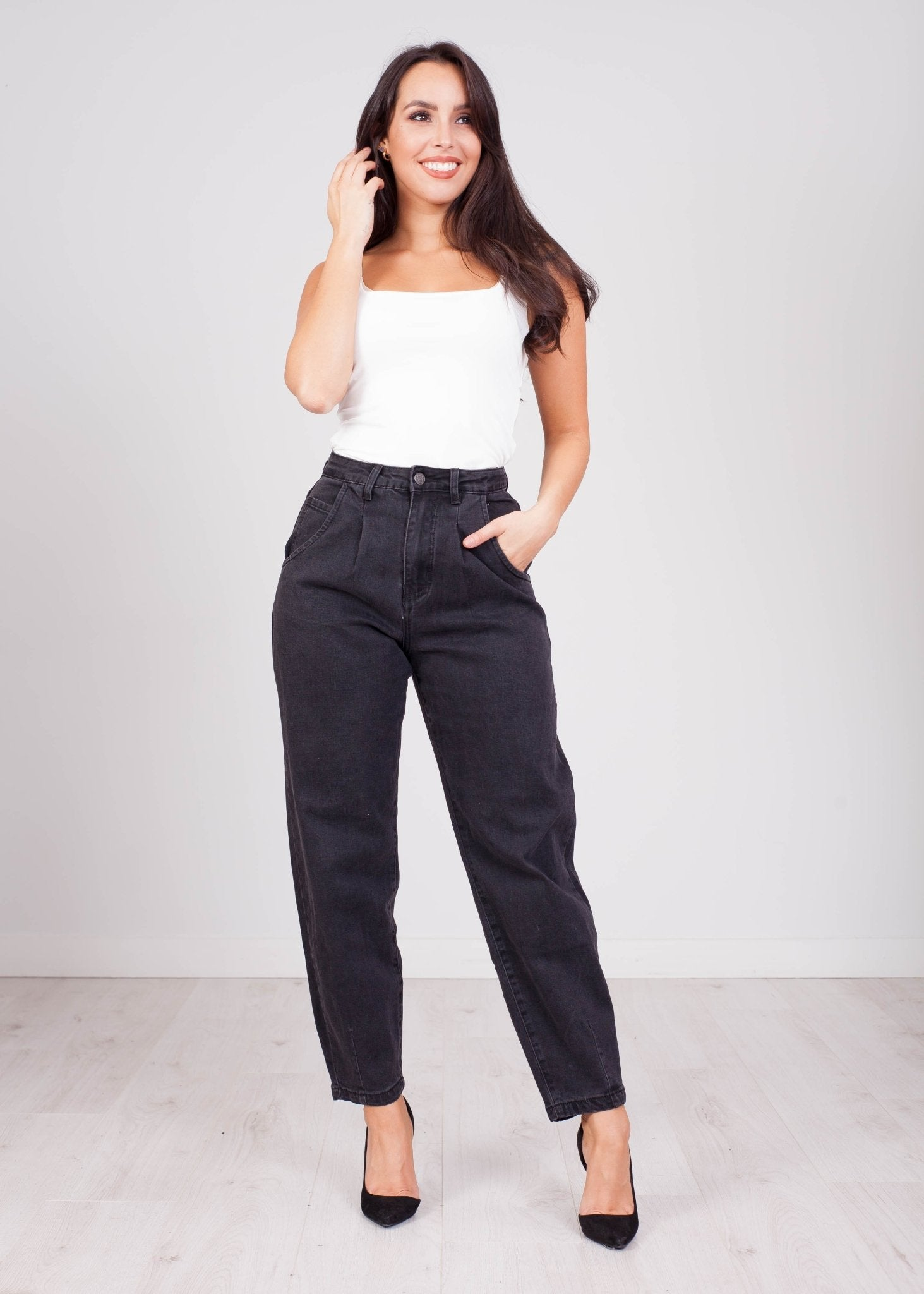 Molly Black Balloon Tapered Jean - The Walk in Wardrobe