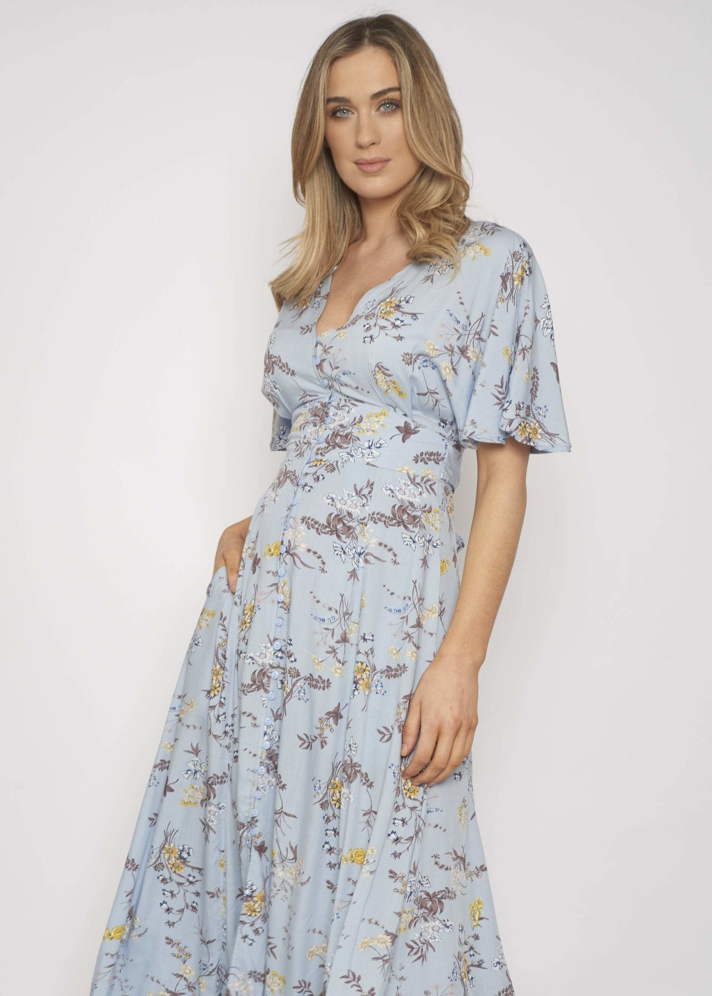 Nora Floral Print Dress In Blue Mix - The Walk in Wardrobe