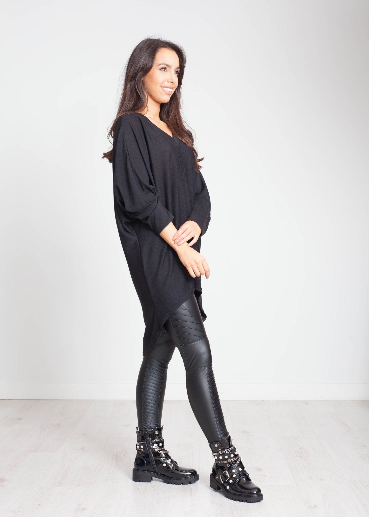 Priya Batwing Tunic In Black - The Walk in Wardrobe