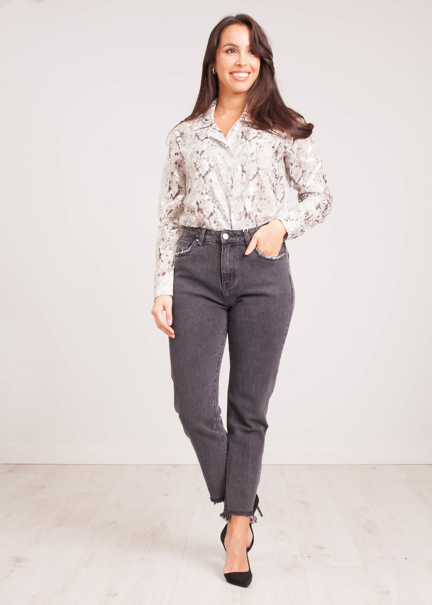 Priya Blouse In Grey Snake Print - The Walk in Wardrobe