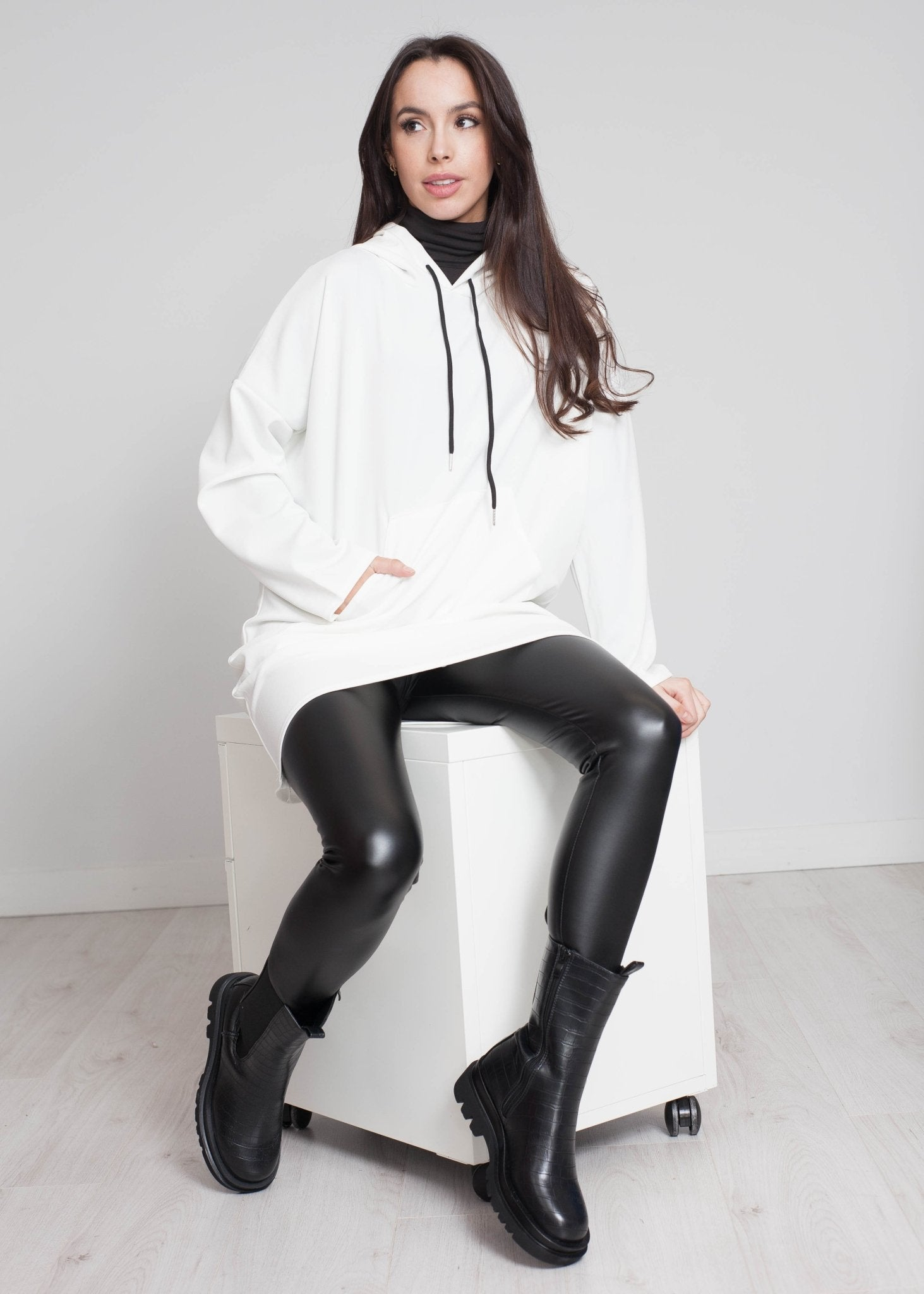 Priya Longline Hoodie In White - The Walk in Wardrobe