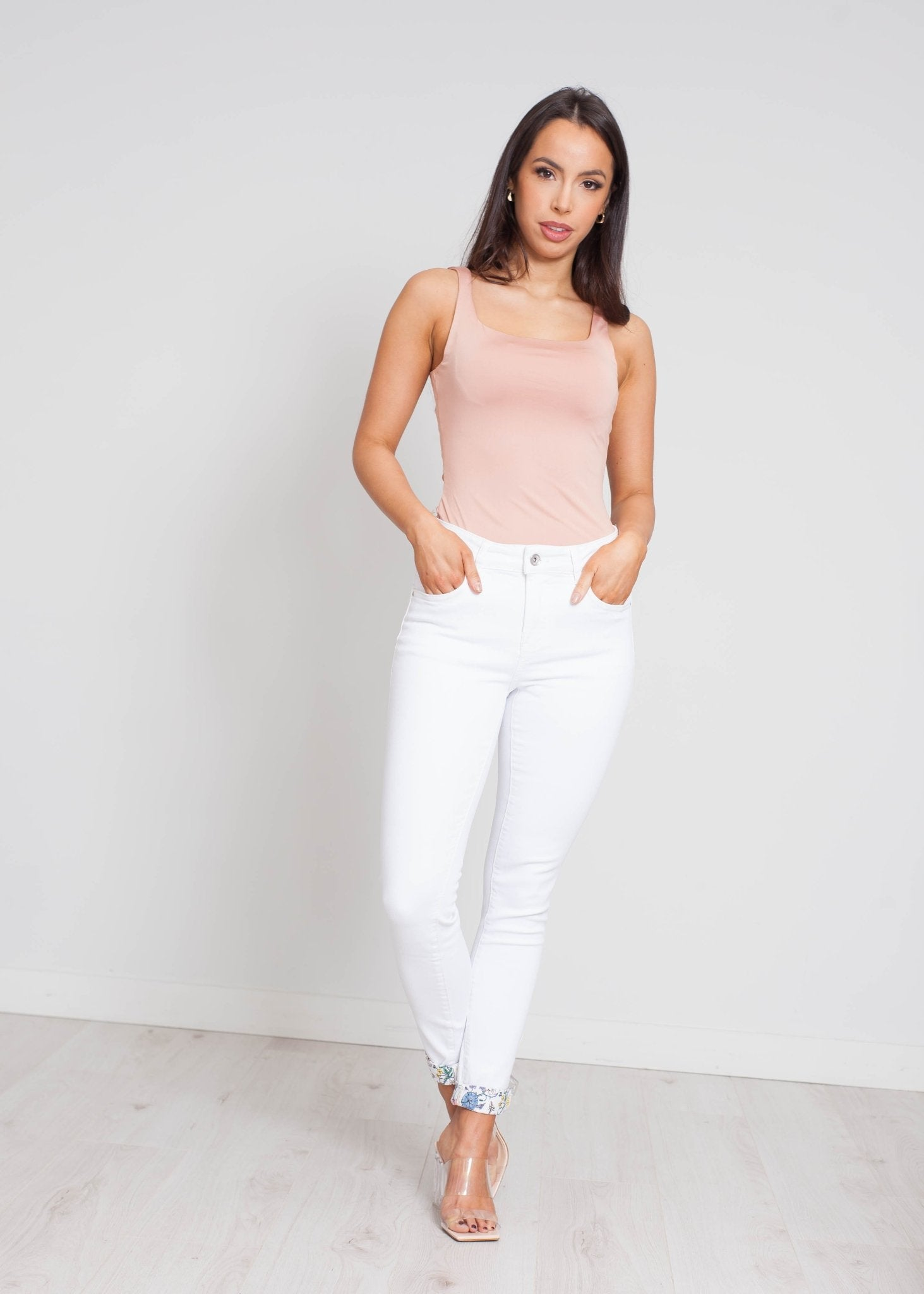 Riley Floral Turn Up Jean In White - The Walk in Wardrobe