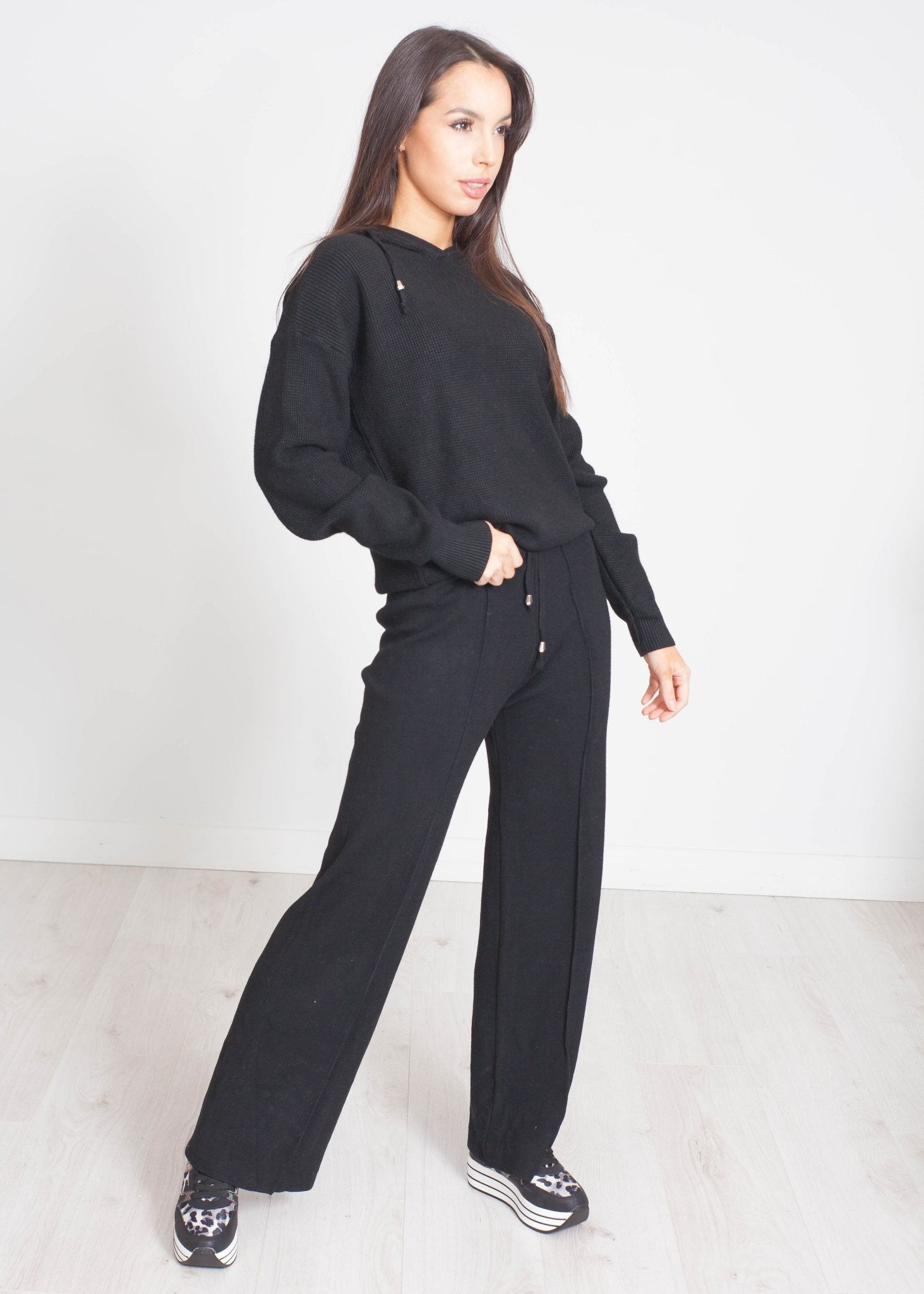 Samantha Knit Lounge Set In Black - The Walk in Wardrobe