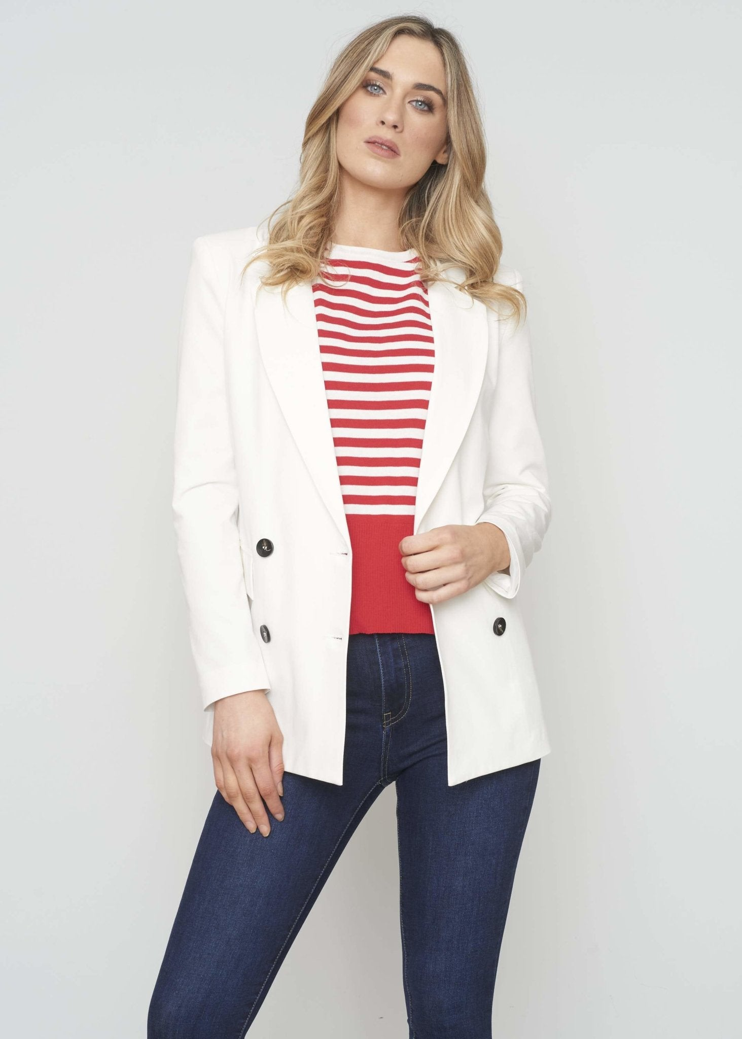 Sophia Blazer In White - The Walk in Wardrobe