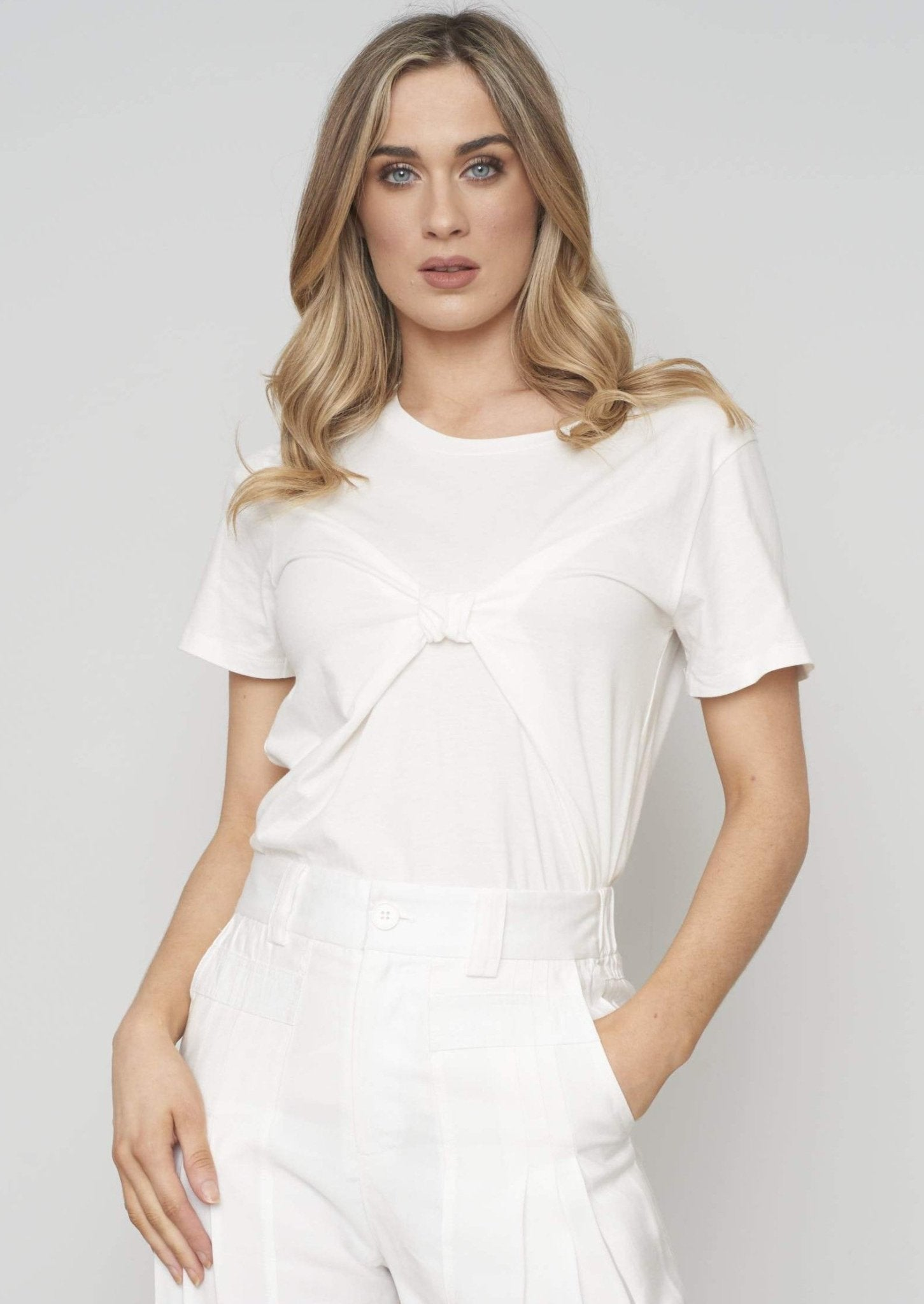 Sophia Knot Front T-Shirt In Ivory - The Walk in Wardrobe