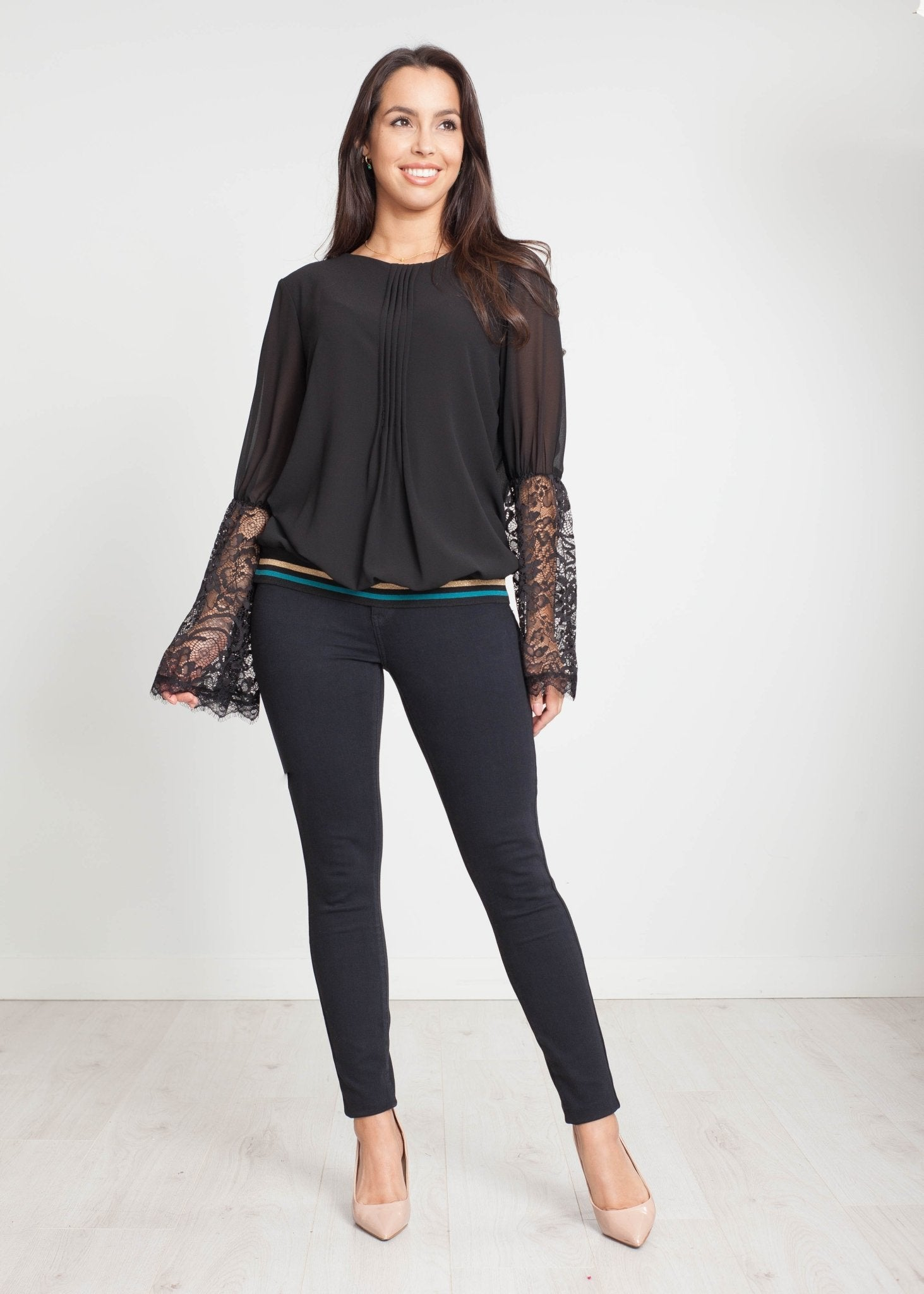 Tina Round Neck Jumper in Black - The Walk in Wardrobe