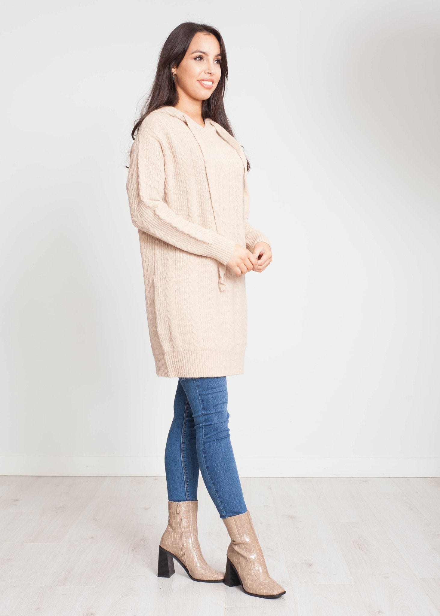 Una Cable Hoodie In Beige - The Walk in Wardrobe