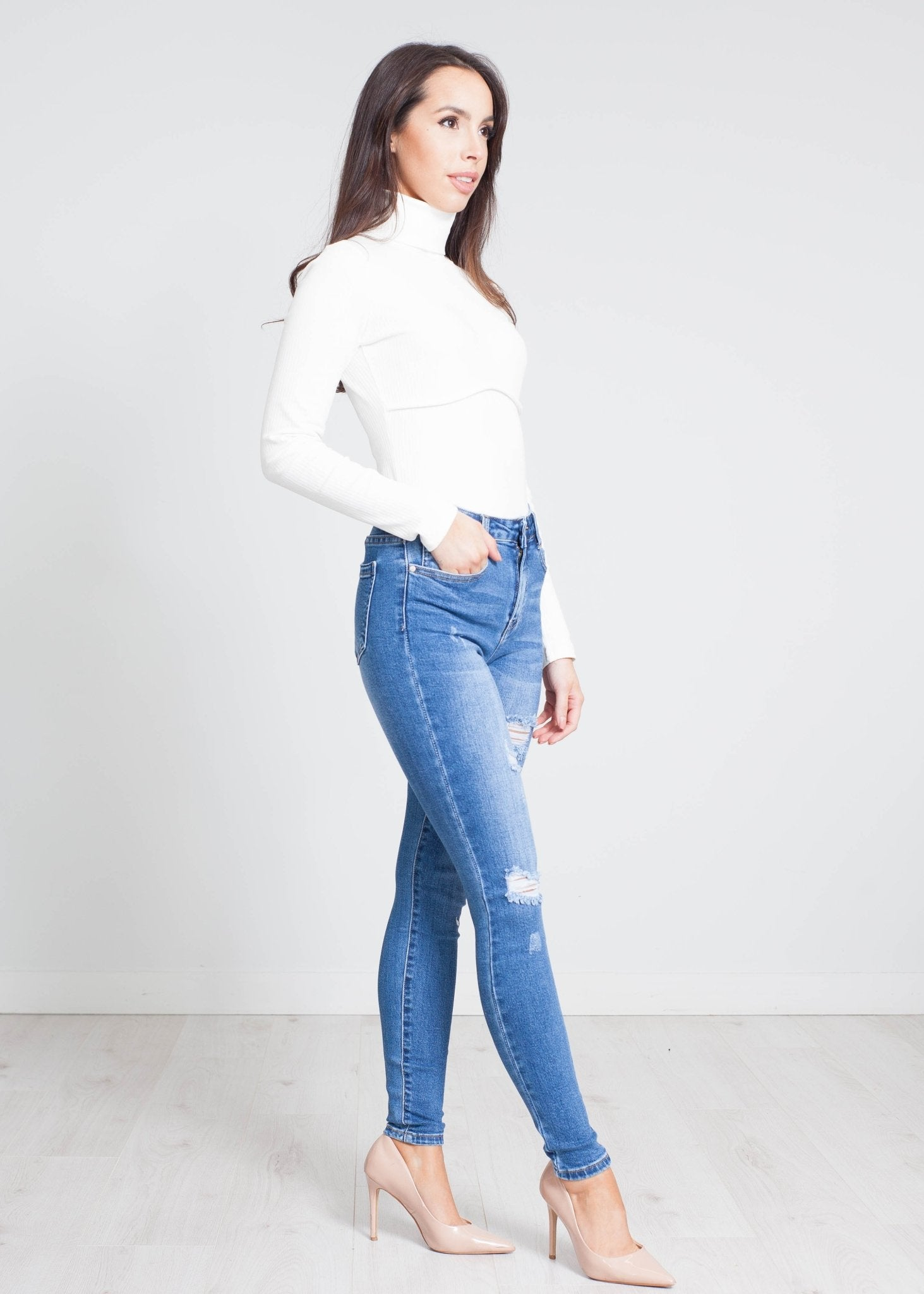 Zoe Distressed Skinny Jeans In Denim - The Walk in Wardrobe