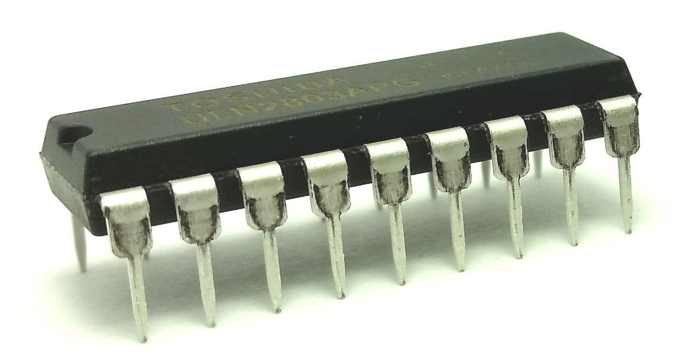 ULN2803APG ULN2803 Darlington Transistor Array NPN DIP-18