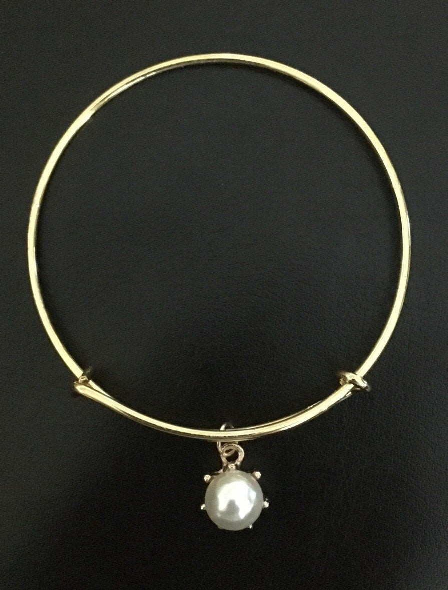 Simple Beauty Pearl Bangle, Pearl Bangle, Gold Pearl Bangle, Womens Pearl Bangle, Womens Pearl Bracelet, Pearl Bracelet, Simple Beauty Line