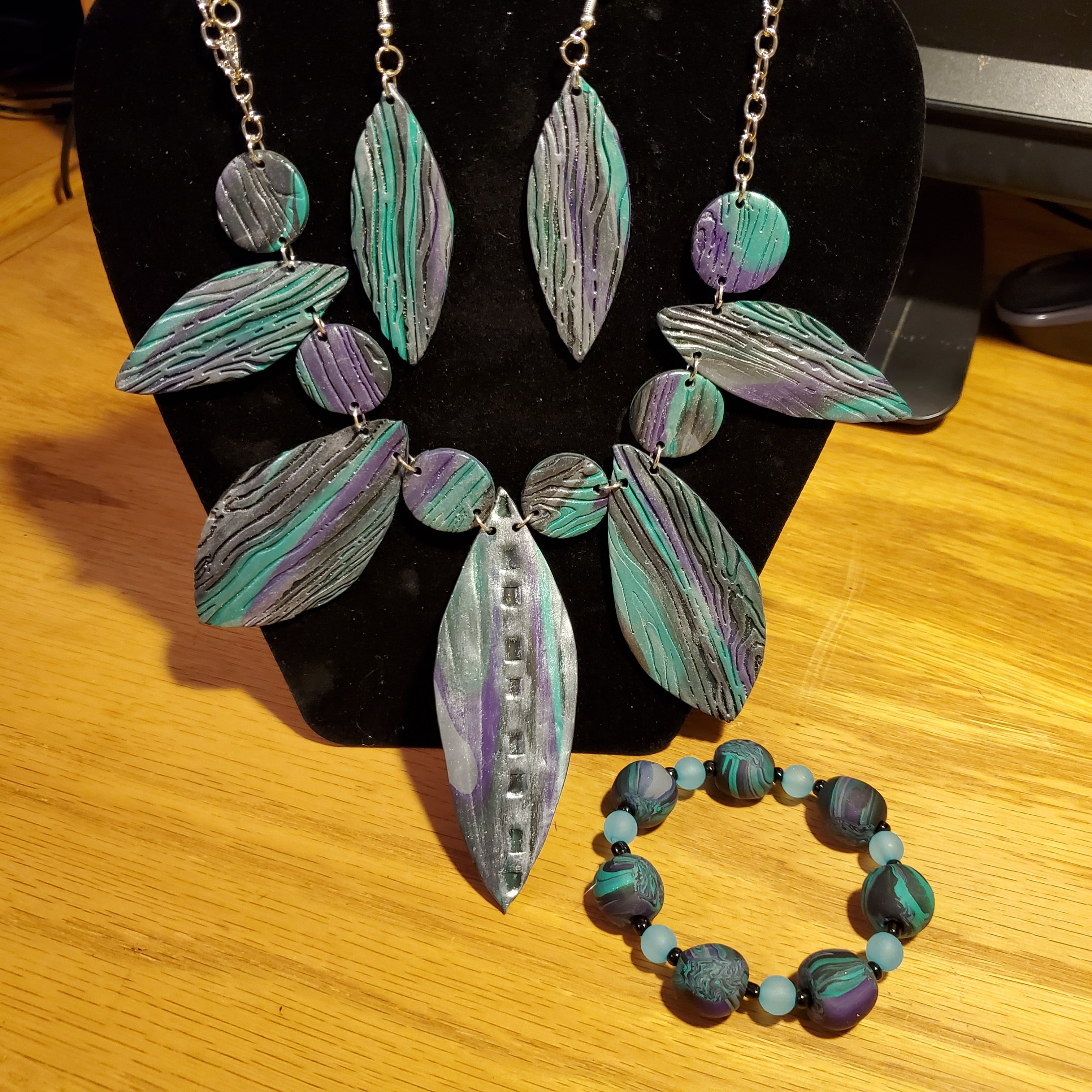 Stunning Textured Blue Necklace and Bracelet