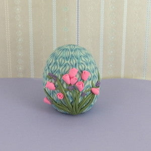 Premo! Clane and Flower Embellished Egg (Britta Lautenschlager)
