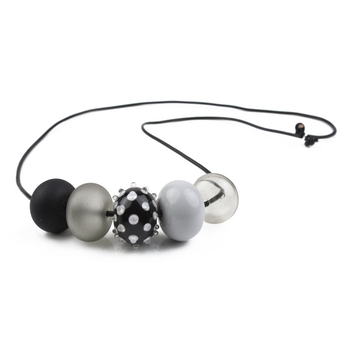 Alicia Niles 5 Bubble Black/White Bead Necklace JZ023BKWH