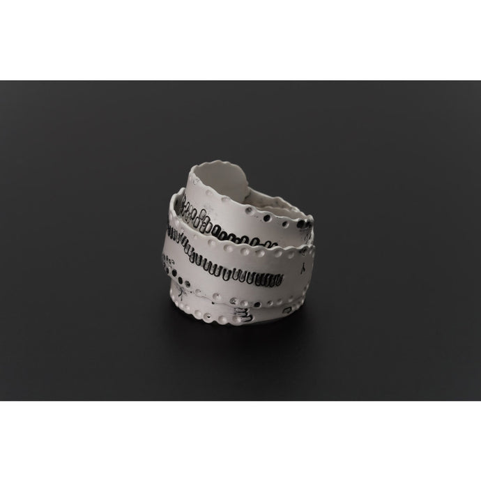 Deco Echo Black & White Cactus Ring 040162
