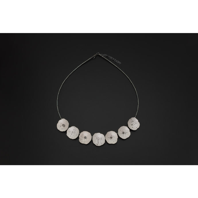 Deco Echo Open Shells Necklace 042756