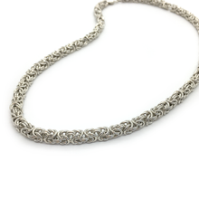Lisa Ridout Small King's Link Necklace
