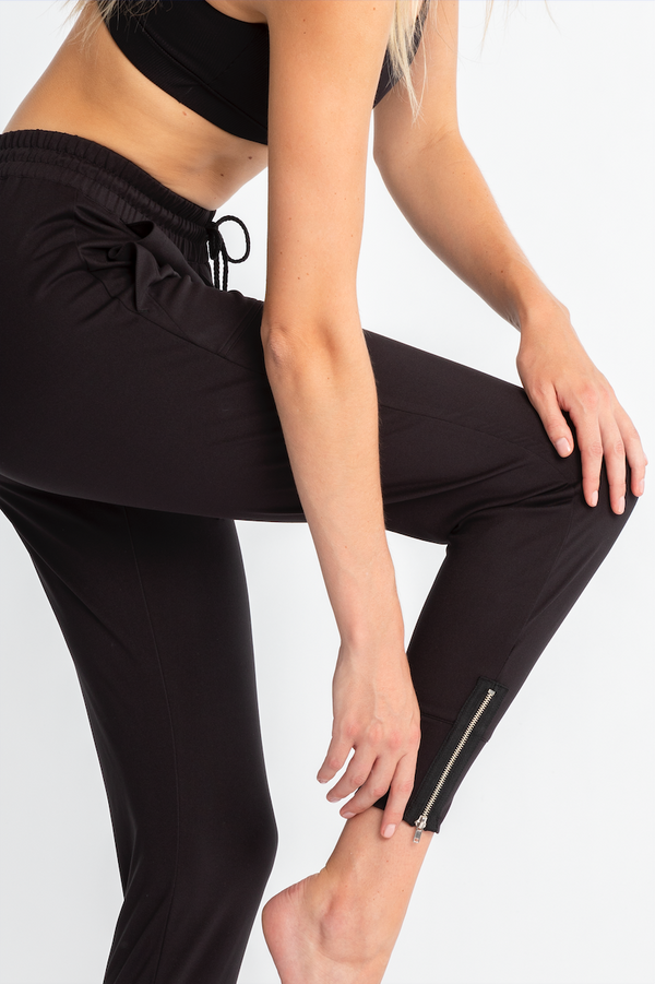 Signature Zipper Jogger